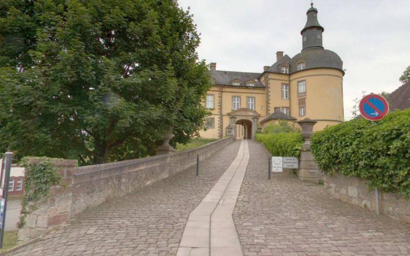 Schloss-Friedrichstein